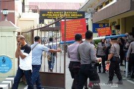 Bom bunuh diri di parkir Mapolrestabes Medan (video)