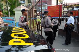 Setidaknya ada enam korban bom di Polrestabes Medan, empat diantaranya polisi