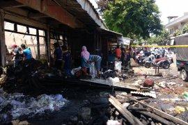 Pascakebakaran, ratusan pedagang Pasar Ngunut Tulungagung direlokasi