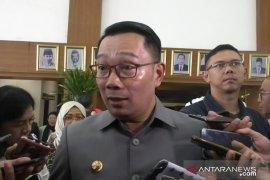 Gubernur Ridwan Kamil jelaskan kolam renang di rumah dinas