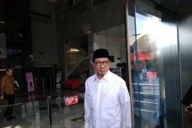 KPK mintai keterangan mantan Menteri Agama Lukman Hakim Saifuddin dalam proses penyelidikan