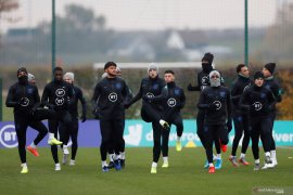 Henderson dan Gomez akan absen ketika Inggris melawat ke Kosovo