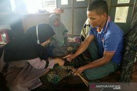 Amuntai's hyacinth and purun craft fascinate Chinese businessman