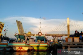Menteri Edhy Prabowo tinjau tiga pangkalan pendaratan ikan di Pulau Bangka