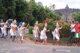 Borobudur Marathon diiringi kesenian tradisional