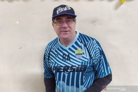 Pelatih Persib Robert Alberts pastikan pemain asing absen latihan perdana