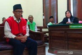 Cabuli 15 anak, seorang pembina Pramuka di Surabaya divonis kebiri kimia
