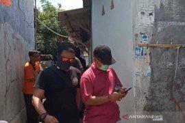Densus 88 tangkap seorang terduga teroris di Cirebon