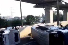 Tabrakan di Tol Halim, satu penumpang luka berat