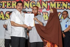 Istri narapidana terorisme Umar Patek resmi menjadi WNI (Video)