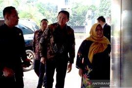 Menteri Erick rujuk sikap negarawan Jokowi, tawari Ahok dan Sandi pimpin BUMN