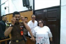 Komedian Nunung minta keringanan hukuman