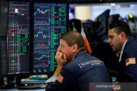 Wall Street jatuh, Dow anjlok lebih dari 2.000 poin di tengah guncangan minyak