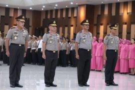 Kapolri Idham pimpin upacara kenaikan pangkat 37 perwira tinggi