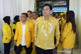 """Aziz Syamsuddin bantah terima """"fee"""" DAK Lampung Tengah"""