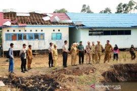 Bupati bantu korban puting beliung Jejangkit-Mandastana
