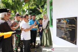 Warga miskin di Aceh Barat terima bantuan rumah perdana dari PT Mifa Bersaudara