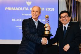 Berita dunia - Kedubes RI di Bern serahkan Primaduta Award ke perusahaan kopi Swiss