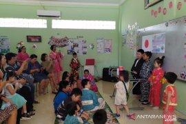 Siswa Surabaya kenalkan budaya negara maju kepada orang tua
