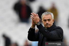 Jose Mourinho raih hasil pertama yang manis bersama Tottenham