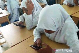 MTsN Nagan Raya terapkan ujian semester secara daring