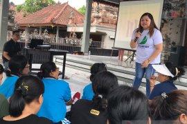 Perdaweri Bali edukasi masyarakat desa kiat rawat kesehatan kulit