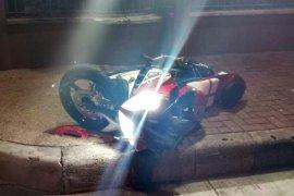 Nabrak pagar apartemen, penumpang sepeda motor tewas di tempat