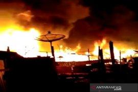 Polres Kotabaru selidiki penyebab kebakaran hanguskan 200 rumah di Pulau Sebuku