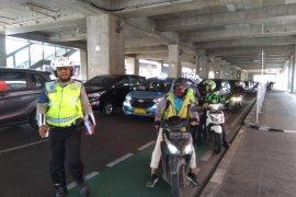 Di Jakarta Selatan Tim Lintas Jaya gelar operasi jalur sepeda
