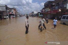 Riau sangat mudah terjadi banjir, angin puting beliung dan longsor
