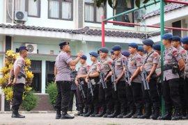 Dansat Brimob Polda Banten  pimpin pengamanan pilkades di Rajeg Kabupaten Tangerang