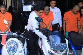 Polresta Banjarmasin ungkap tiga kasus Curanmor diantaranya pelaku pasangan suami istri