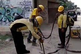 14 dari 35 kontraktor saluran air di Jaktim bermasalah dan mengecewakan