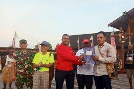 Pemkab Asmat serahkan aspirasi pemekaran PPS kepada anggota DPR RI