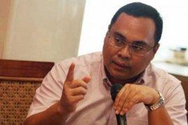 Hikmahanto: Imigrasi perlu lakukan pengecekan atas status Agnes Mo