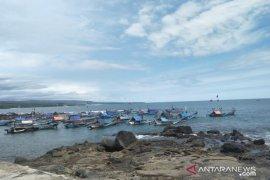 Nelayan dari berbagai wilayah di Jabar berburu ikan di Cianjur