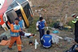 Korban meninggal akibat kecelakaan bus di tol Sumo bertambah