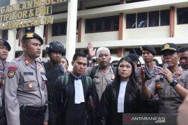 Polisi berikan pengawalan kepada pengacara SMB di PN Jambi