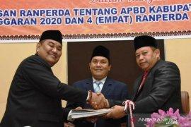Selain 4 Ranperda, Wabup sampaikan Nota Keuangan APBD Tapsel 2020 lebih Rp1,5 T