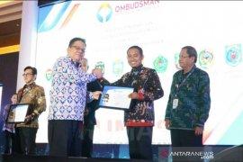 Pemkab Pamekasan raih penghargaan kepatuhan layanan publik