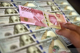 Kurs rupiah kembali tertekan tembus Rp16.500 per dolar AS.