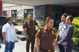 Kejati Riau tahan mantan anggota DPRD Bengkalis