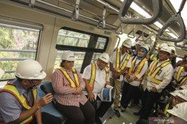 Menristek Bambang dorong peningkatan TKDN LRT Jabodebek jadi 100 persen