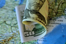 Dolar anjlok, rekor lonjakan klaim pengangguran AS angkat harapan stimulus lagi