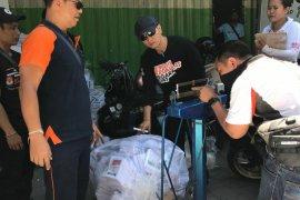 KPU Denpasar kosongkan isi kotak suara Pemilu 2019 di gudang