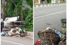 Sampah di Kota Stabat berserakan dan belum diangkut