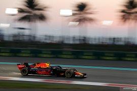 Pebalap Verstappen tak beri kemudahan bagi Mercedes untuk menangi balapan
