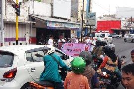 Ratusan warga Situbondo aksi damai peringati Hari HIV/AIDS se-Dunia