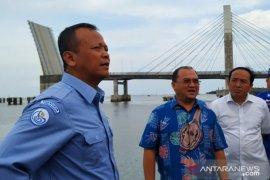 Antara TV - Menteri Kelautan dan Perikanan tinjau PPI Pulau Bangka
