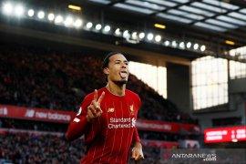 Liverpool atasi Brighton dengan 10 pemain